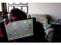 i pad mini 1st gen 16gh black with original box