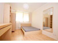 Fantastic large double room available now near London Bridge!