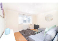 Recently Refurbished 1 bedroom flat located off of Upper Street and close to Angel Tube