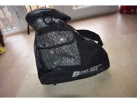 Bauer Roller Blades - Size 7 Ladies, comes with bag & wrist guards