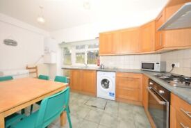 NICE 5 BED HOUSE IN LARNACH ROAD, HAMMERSMITH, W6