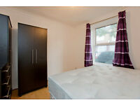 En-suite double room for rent 15-25 min from Canary wharf,Stratford,London city center