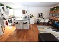 25CP-Spacious 2 BED / 2 BATH FLAT (2nd Floor)-Communal Gardens & Parking-Gated Development-Camden