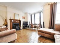 Three Bedroom Split Level Apartment In East Finchley - Moments From The Station - Early Jan Move in