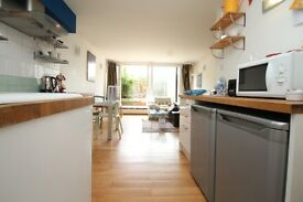 Luxury 2-bed flat Dartmouth Park / Archway N19 -- for 2 people