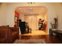 Lovely 5 bedroom home with a garden in limehouse/Mile End, E3