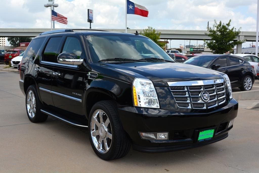 your guide to the 2010 escalade ebay. Black Bedroom Furniture Sets. Home Design Ideas