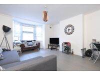 A beautiful flat offering one double bedroom and a private garden, situated on Garratt Lane.
