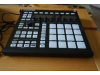 Native Instruments Maschine Mk2 - Near new condition, full licenses and hardware included as new.