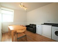 Bright 1 bed flat next to Mill Hill East Station