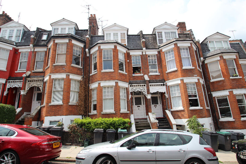 Recently Refurbished Two Bedroom Raised Ground Floor Period Conversion Close To Highgate Tube