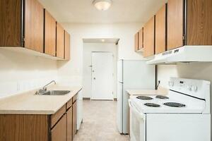*INCENTIVES* 1 Bdrm in Family Bldg by Londonderry!~193