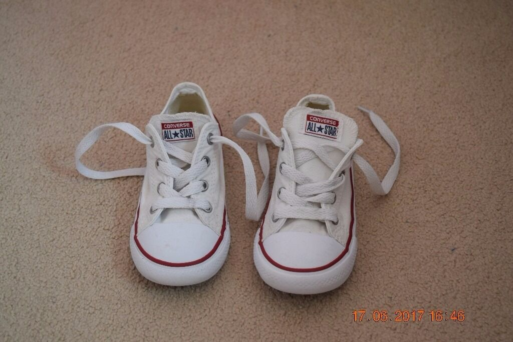 f08abea46bfb Converse white trainers boys girls kids size 9