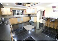 LARGE MODERN PARTLY FURNISHED FOUR BED & TWO BATHROOM HOUSE WITH GARAGE- CRANFORD HOUNSLOW HEATHROW