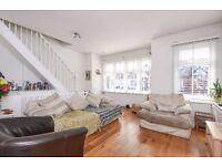 A fantastic three bedroom split level maisonette to rent in Southfields