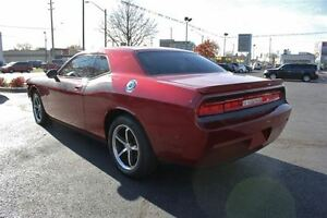 2010 Dodge Challenger SE/SXT Low K's Sun Roof Heated Leather Sea Windsor Region Ontario image 4