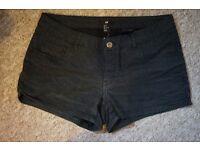 H&M Ladies Shorts black with white spot pattern Size UK 10/12 EUR 38