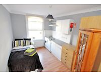 A newly refurbished bedsit room on fabulous High Street Kensington W8, ALL BILLS +WIFI INCLUDED