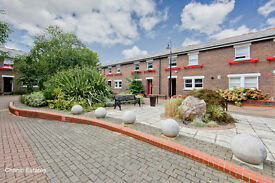 Large Five Bedroom Three Storey Town House, located in Docklands E14, Great Transport links £700 p/w