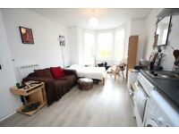 Spacious Studio Flat Located Moments Away From Hornsey Station - Unfurnished - Available in August