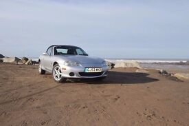 Mazda mx5 1600cc sports convertible ~Silver ~ 20,000 miles ~ 2 owners from new ~ Price reduced