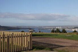 One Bed Flat to rent (unfurnished, 5 small rooms)stunning views over Plymouth Sound.