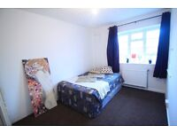 Cosy Double Room, just mins away from Edgware Road and Marylebone Station 185 pw. -(REF. 5W)