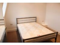 ONLY 10 MIN TO BANK AND LIVERPOOL STREET! CRAZY GOOD DEAL! FRESH HOUSE! BE QUICK
