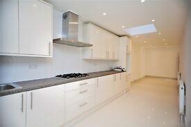 8 bedroom house in Hodford Road, Golders Green, NW11