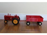 ERTL IOWA quality tractor narrow fronted & trailers model 100% die cast