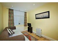 1 bedroom flat in Cranbourne Gardens, Golders Green, NW11