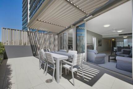 BRAND NEW AMAZING APARTMENT - AWESOME ROOM WITH WALK IN ROBE
