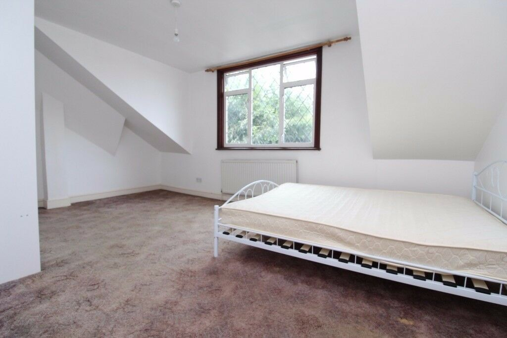 Room To Rent In Family Home In Harringay, N4 1SB, London