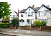 5 bedroom house in Wentworth Road, London
