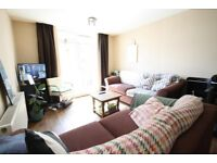 2 double bed furnished flat, between Whitechapel & Brick Lane, balcony, separate kitchen, near City