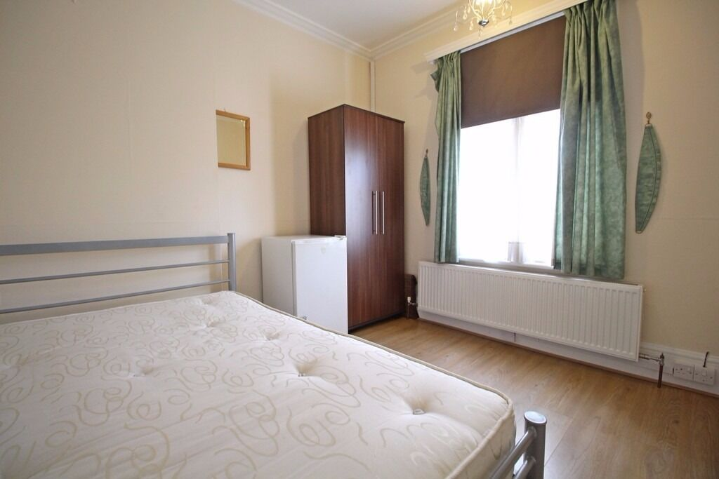 Room to Rent in Isleworth TW7 near Train Station Bills Included for Single Person