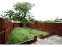 NW2 - 5 Bedroom House to Rent - Students Welcome - Garden - Near Cricklewood Thameslink Station