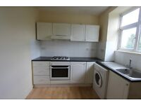 2 bedroom flat in Avondale Court, South Woodford, E18