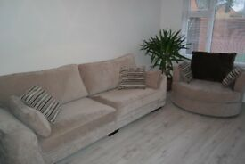 SCS Portland 4 Seater Sofa Standard Back and Snug Swivel Chair
