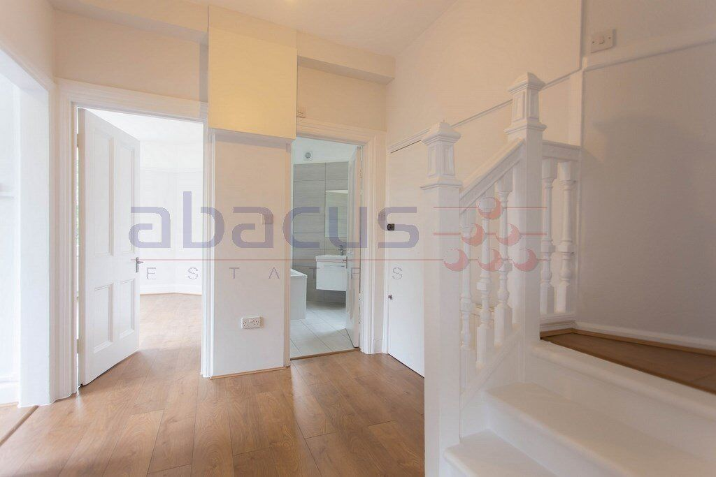 Unbelievable high specific two bedroom property in West Hampstead