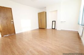 Very spacious 3 bed flat next to South Wimbledon Tube Station available now.