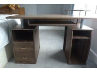 Computer/Office desk with pull out key board tray Excellent condition
