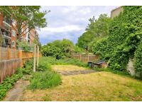 STUNNING LARGE 3 BED FLAT WITH GARDEN £430PW AVAILABLE MID JULY!!!
