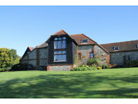 The Barn at Bombers - Conversion of a 16 century barn, 3 beds, 2 lounges, 2 baths all facilities
