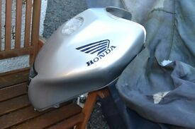 Honda hornet tank 600, key, seat plastics ideal project cafe racer chop streetfighter