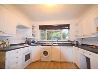 3 Bedroom 2 Bathroom flat with private garage on Cambridge Road, Raynes Park, SW20