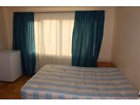 A BIG DOUBLE ROOM IN A HOUSE AT CRICKLWOOD/ £170 PEER WEEK/ALL BILLS INCLUSIVE/NO DEPOSIT