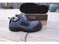 Portwest safety work shoe, NEW in box
