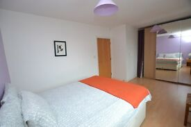 Amazing 1 bedroom + open plan in luxury new build apartment close to Limehouse Station