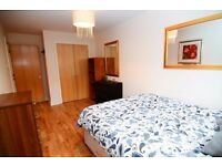 LARGE DOUBLE ROOM WITH FREE SPA! ALL BILLS INCLUDED!